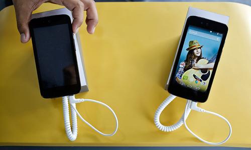 Google debuts $105 smartphone in India