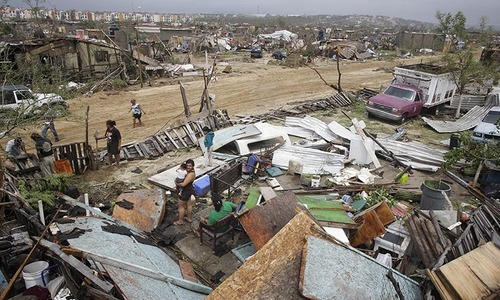 Hurricane Odile slams Mexican resorts