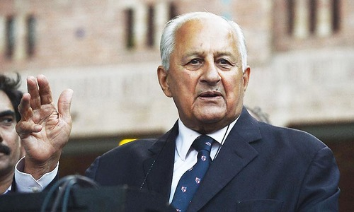 Shaharyar assures Ajmal full support in rehabilitation