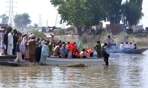 Thousands rescued as floods hit Sindh