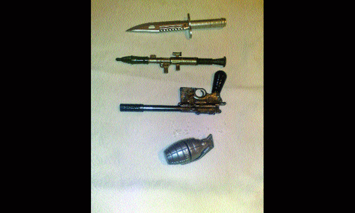 Weapon-shaped pens becoming popular among Swat children
