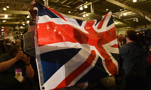 Scots reject independence in historic vote