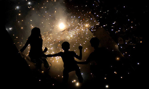 Explosion at fireworks factory kills five in Lucknow