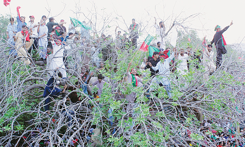 Excited supporters flock to Imran's rally