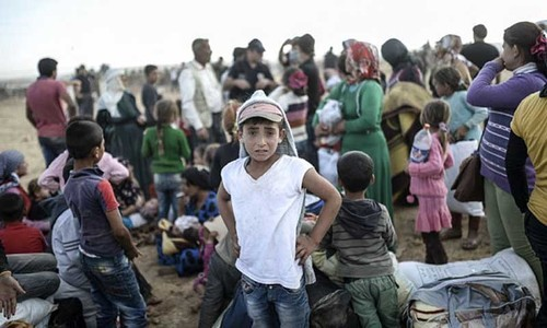 130,000 Kurd refugees flood into Turkey