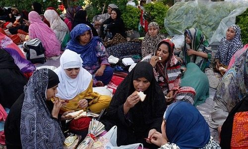 Women at Pakistan Awami Tehreek sit-in eager to go home