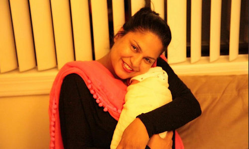 Veena Malik's son is super popular - on Twitter