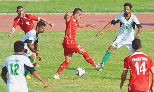 Late goals help Palestine down Pakistan 2-0