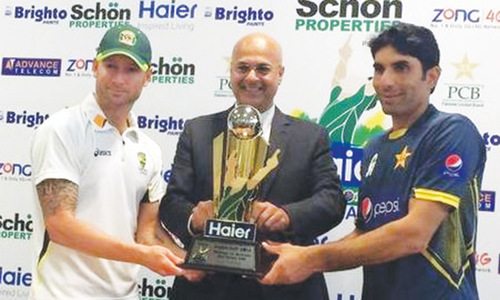 Pakistan, Australia ready for spin battle in first Test