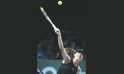 Ivanovic outclasses Bouchard, Halep overpowers Serena