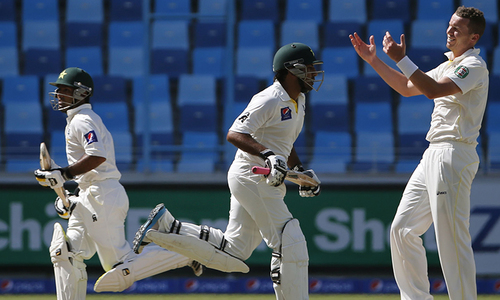 Day 2: Middle-order fires to take Pakistan to 454