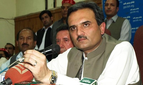 'N'-PTI fight for power affecting Pakhtuns: Hoti