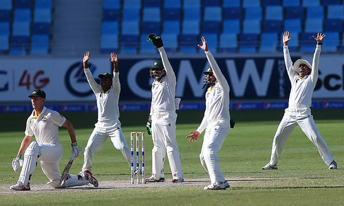 Day 3: Pakistan in front after Warner special