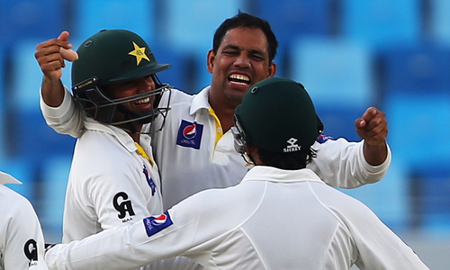 Pakistan spinners leave Australia in tatters