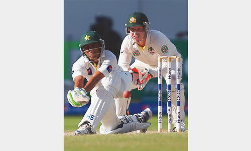 Pakistan eye victory as Australia crumble