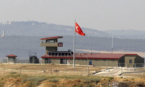 Iraqi Kurdish fighters bound for Kobani arrive in Turkey