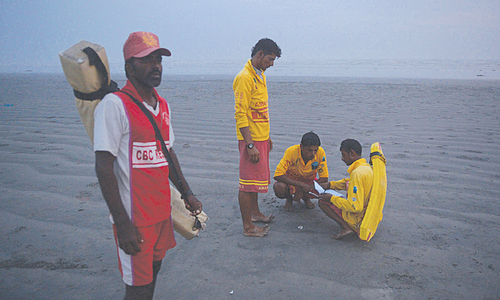 Coastal areas brace for cyclone Nilofar