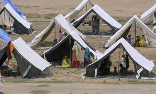 Over 700 moved to relief camps in Thatta amid cyclone threat