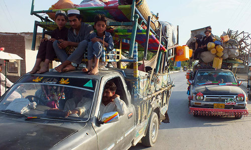Over 29,000 fleeing Pakistanis still in Afghanistan: FO