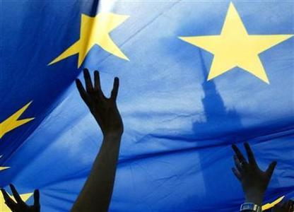 View from abroad : EU must engage urgently with China