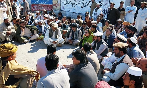 IDPs suffer as centre, KP fight it out