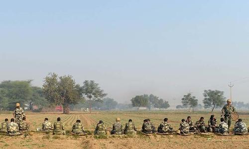 Six dead after police storm India guru's ashram
