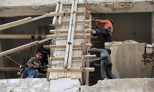 War-ravaged Syrian industrial zone hopes for new life