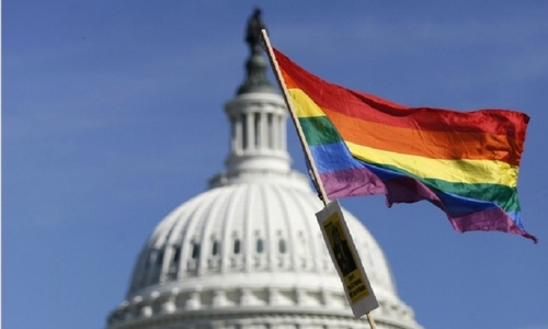 Gay public affection does not sit well with Americans: study