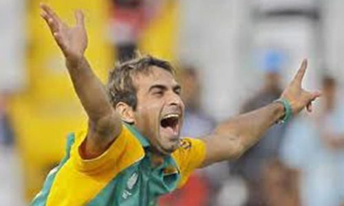 Tahir in doubt for fourth ODI