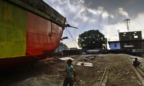 Bangladesh dockyards polluting rivers, encroaching land