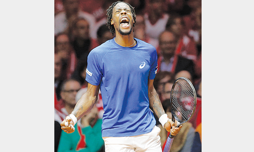 Gael-force Monfils blows France back into final