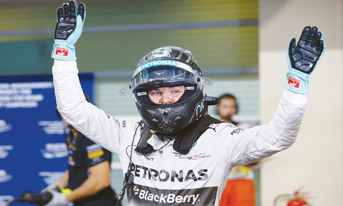 Rosberg edges Hamilton for  pole in F1 title decider