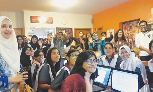 Pakistani, Indian students come closer through virtual chat