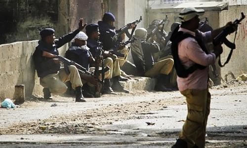 کراچی : اسٹریٹ کرائمز میں اضافہ، پولیس کا کردار؟