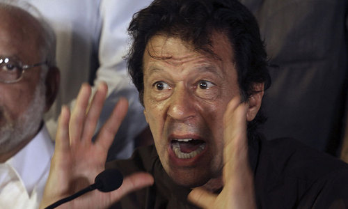 Imran warns Nawaz, Nisar against blocking 'peaceful protesters'