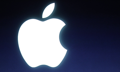 Apple market value hits $700bn