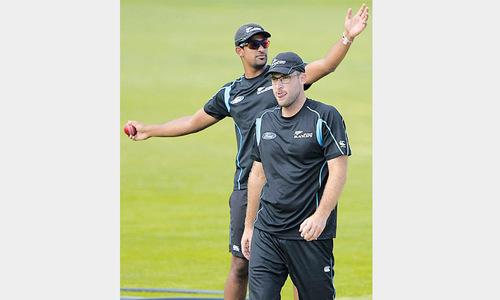 Vettori makes surprise return as Pakistan eye series triumph