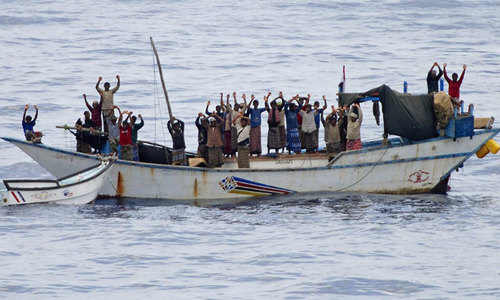 Ship carrying 700 migrants stranded near Crete