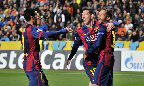 Messi treble sets Champions League goals record