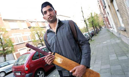 "When cricket bat and beard = ""anti-Semitic killer"""