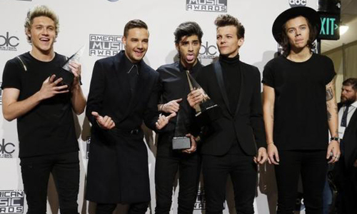 One Direction makes Billboard history, knocks Swift from No. 1
