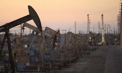 Falling oil prices deal bigger economic blow to Africa than Ebola