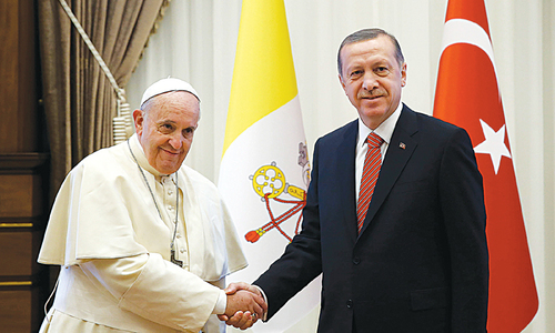 Pope calls for end to fundamentalism