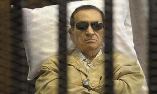 Egyptian court drops case against ex-president Hosni Mubarak