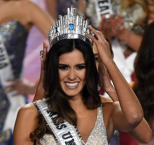 Miss Universe 2015: Colombia's Paulina Vega wins crown