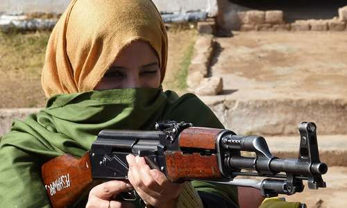 Teachers get gun training after Peshawar massacre