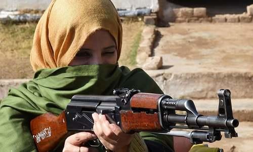 Teachers get gun training after Peshawar massacre
