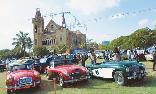 Quaid's Rolls Royce among vintage cars pulling crowds at annual show