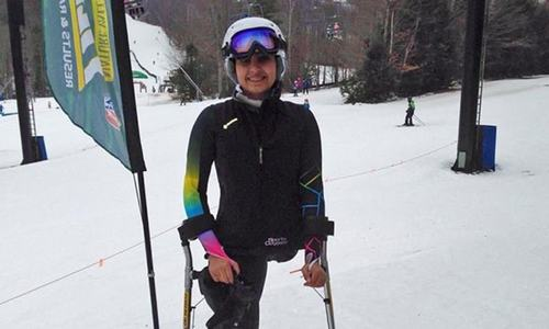 Pakistani girl who lost a leg in 2005 earthquake competes in ski race