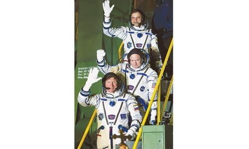 Soyuz spacecraft with Russian, US astronauts blasts off to ISS